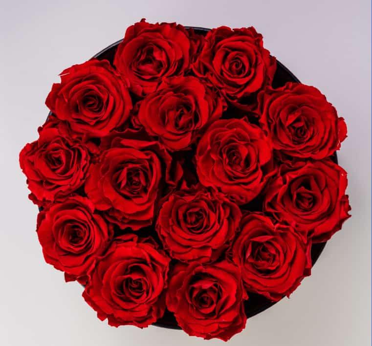 bukiet kwiatów dla kobiety