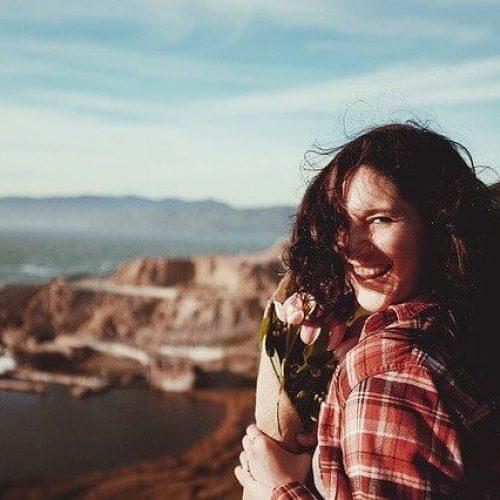 Kobieta śmiech zadowolenie sex BDSM randki
